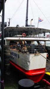 大型ボート